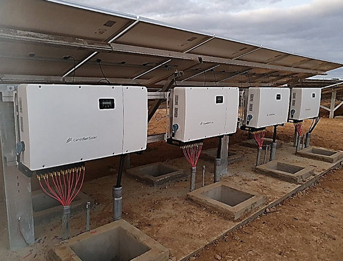 Biến tần năng lượng mặt trời hòa lưới hãng Canadian công suất 110kW 1