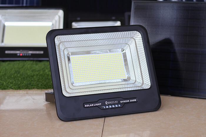 Đèn pha LED sử dụng điện mặt trời GV9200 - 200W 10