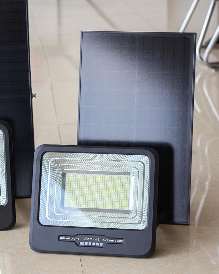 Đèn pha LED sử dụng điện mặt trời GV9200 - 200W 2