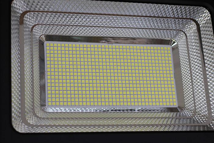 Đèn pha sử dụng năng lượng mặt trời 300W - GV9300 10