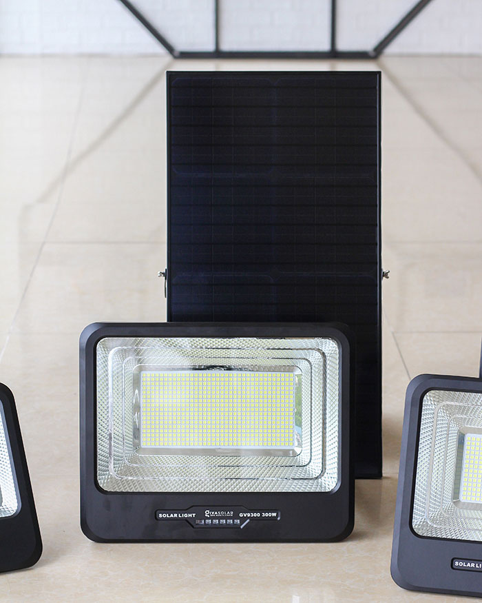 Đèn pha sử dụng năng lượng mặt trời 300W - GV9300 2