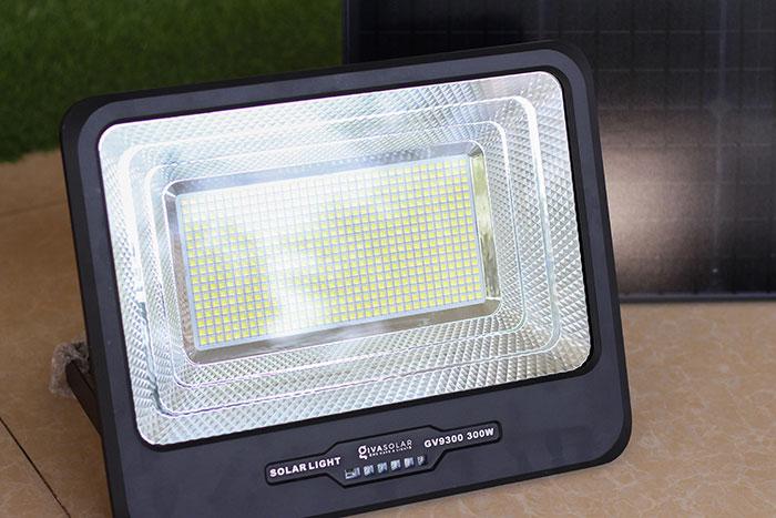 Đèn pha sử dụng năng lượng mặt trời 300W - GV9300 8
