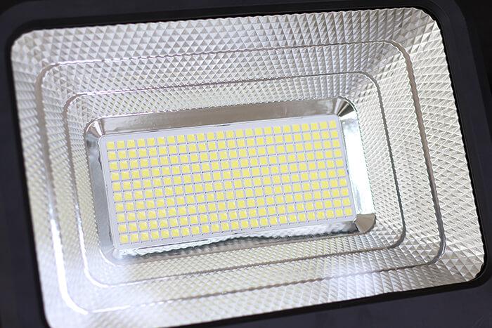 Đèn pha năng lượng mặt trời công suất 120W - GV9120 giá cực tốt 7