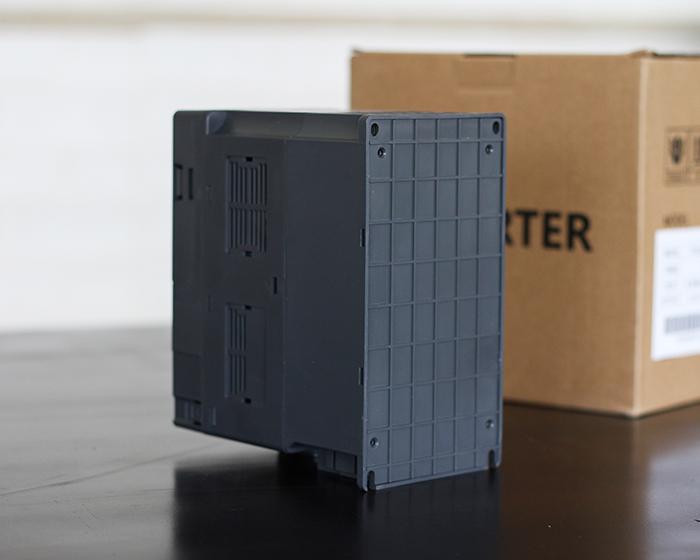 Inverter bơm nước năng lượng mặt trời PV500-0040G3 (4kW) 12
