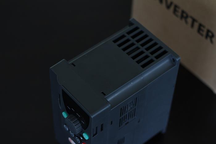Inverter bơm nước năng lượng mặt trời PV500-0040G3 (4kW) 14