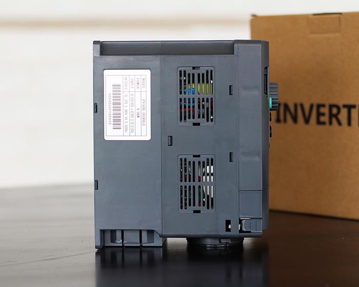 Inverter bơm nước năng lượng mặt trời PV500-0040G3 (4kW) 9