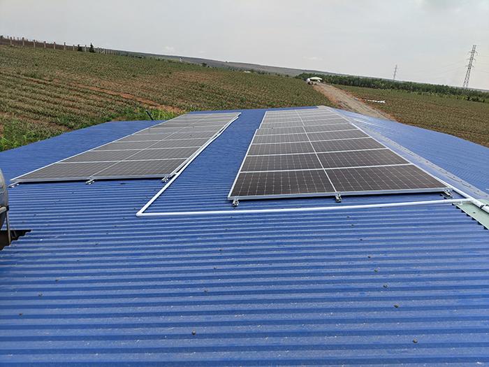 Lắp điện mặt trời áp mái hòa lưới bám tải 10kW tại Bình Thuận 4