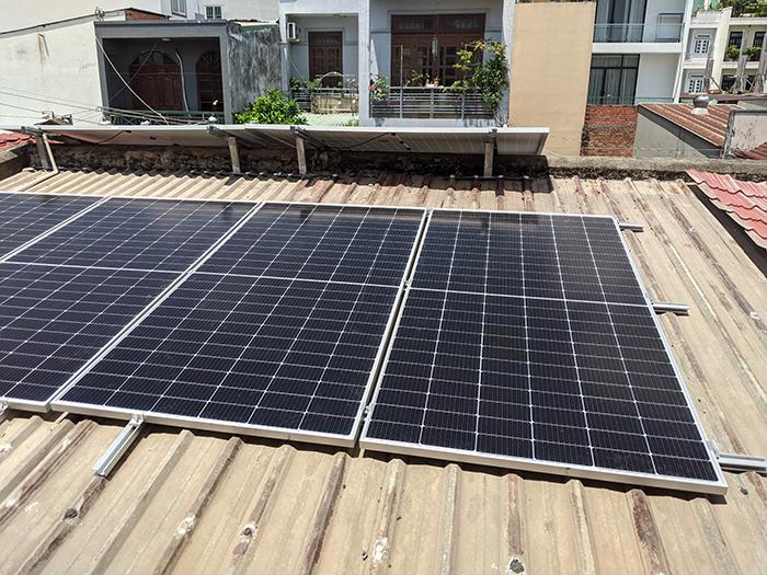 Lắp đặt điện mặt trời công suất 7.5 kWp tại quận 9 8