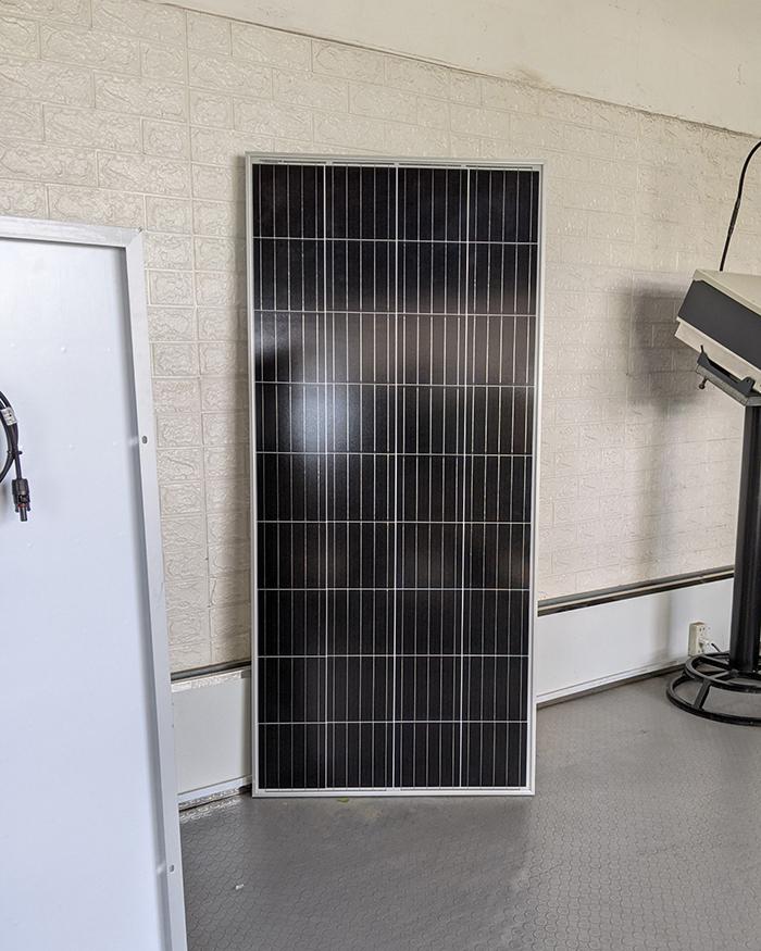 Tấm pin năng lượng mặt trời công suất 170W 1